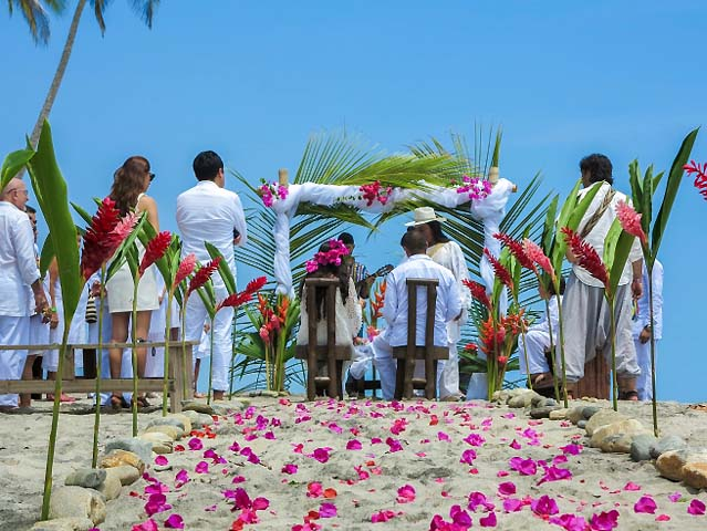 Matrimonio en la playa Indígena Kogi
