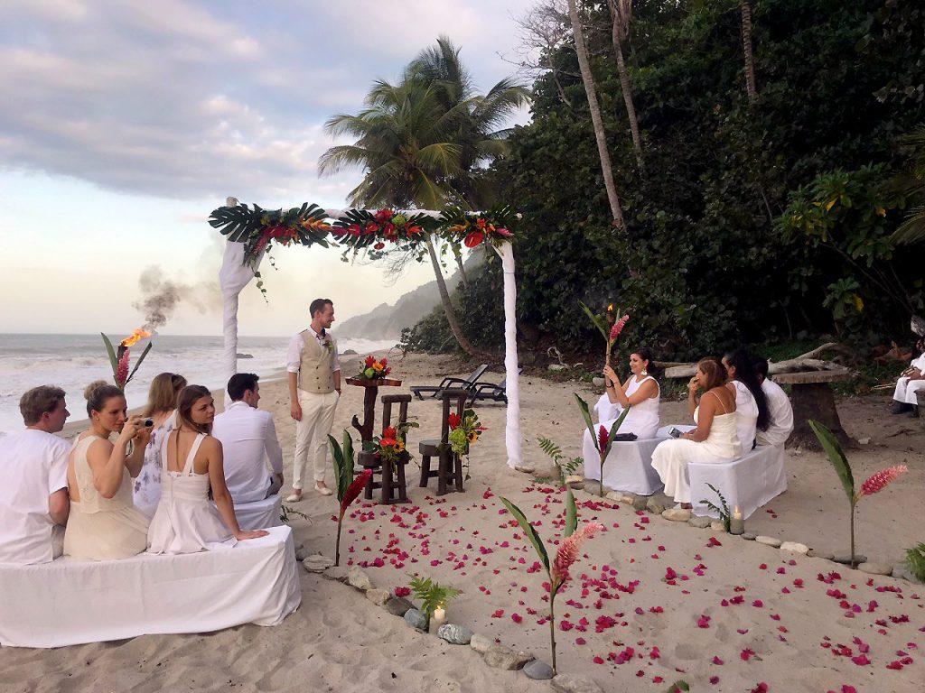 Matrimonio en playa cerca de Santa Marta 20 invitados