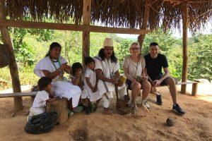 Familia indigena arhuaco tours Finca La Jorara
