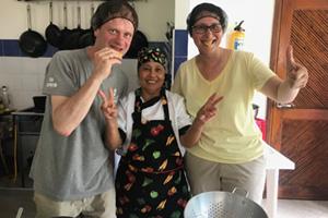 Experiencia gastronómica con cocineras locales en Finca La Jorará